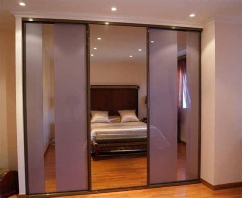armoire de bureau design portes coulissantes en verre laqué et miroir bronze à la