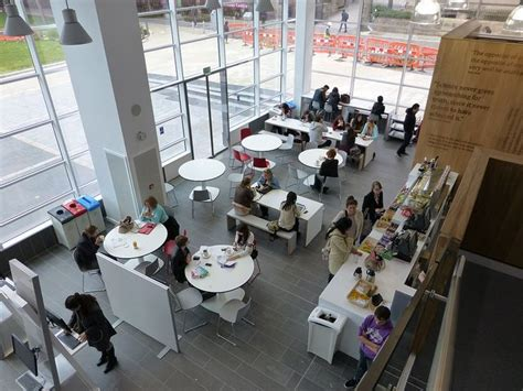 Learning Commons Busy Cafe