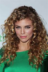 25 Curly Hair Women Long Hairstyles 2016 2017