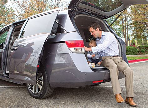 cars    class cargo capacity  fuel economy