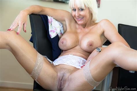 Lovely Milf Jan Burton Spreading In Sexy Stockings 1 Of 1