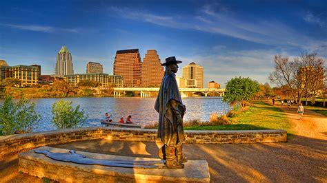 Texas Law — The University of Texas School of Law
