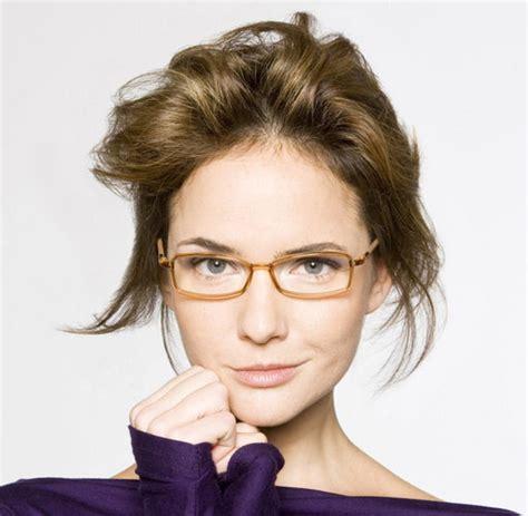 brille nur zum fernsehen passende brillen die richtige brille zum gesicht bilder fotos welt