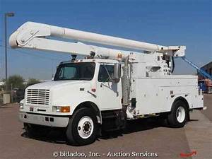 International 4900  2000    Bucket    Boom Trucks