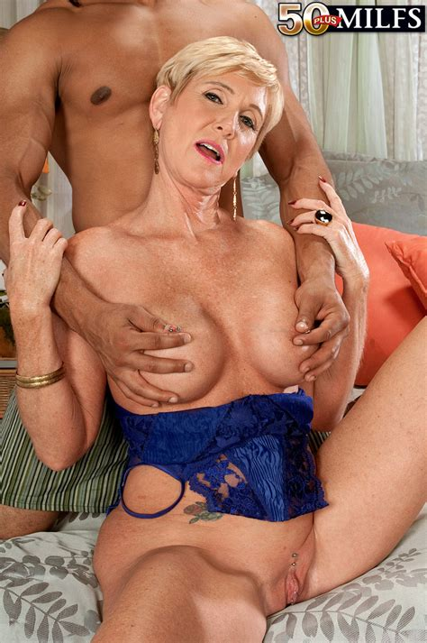 busty horny milf honey ray having a huge black cock for her wet pichunter
