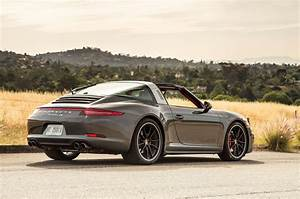 Porsche 911 Targa : then vs now 1967 porsche 911s targa vs 2016 porsche 911 targa 4s ~ Medecine-chirurgie-esthetiques.com Avis de Voitures