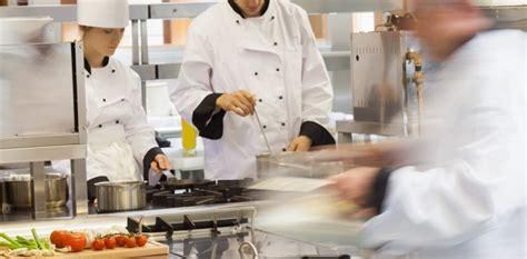 fiche de poste chef de partie cuisine cuisinier en collectivité h f