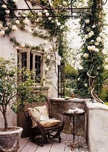 balkon rosen rankpflanzen landhaus der garten auf With markise balkon mit rosen tapeten landhaus