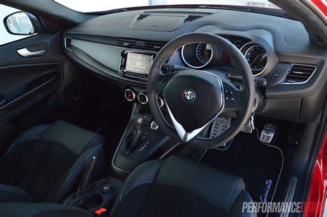 alfa romeo giulietta  review video performancedrive