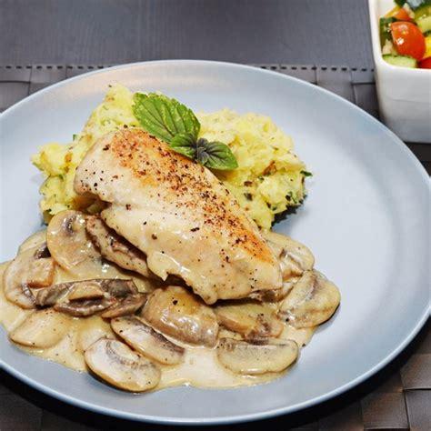 comment cuisiner le blanc de poulet recette blancs de poulet sauce suprême