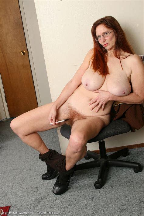 Office MILF Breeze Get Naked In The Office MILF Fox