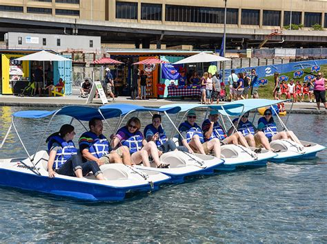 Paddle Boats Buffalo New York by Attractions In Buffalo Indoor And Outdoor Attractions In