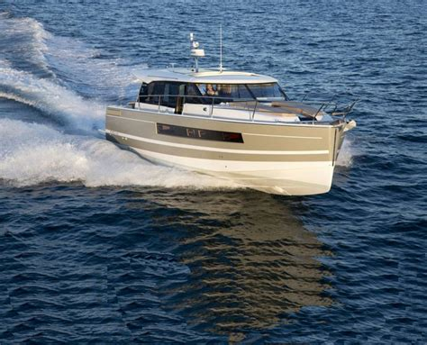 Jeanneau Motor Boats For Sale by Jeanneau Sailboats And Yachts For Sale From Nyb Conwy Uk