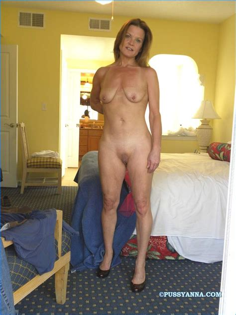 40 Year Old Brunette Milf
