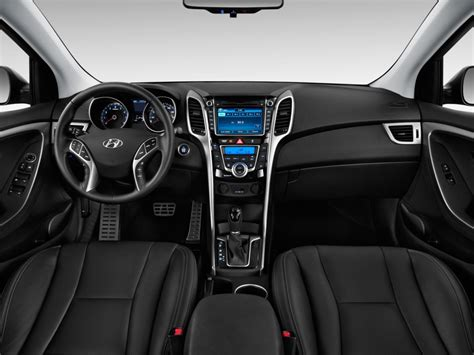2014 Hyundai Elantra Interior by 2013 Hyundai Elantra Information And Photos Momentcar