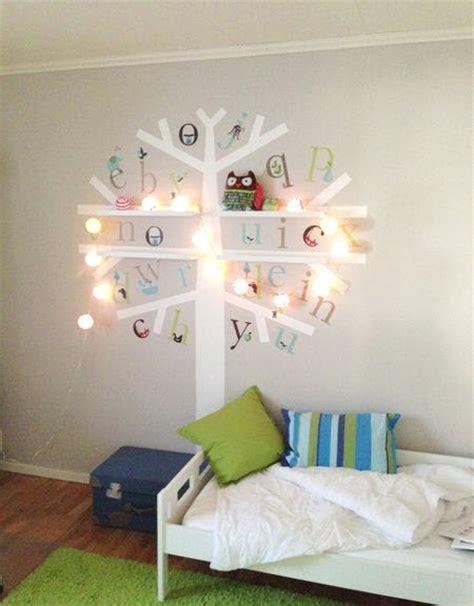 deco chambre bebe fille etagère rangement mural pour chambre d enfant