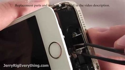 how to clean iphone 5 charging port how to fix iphone 5s charging port in 5 minutes