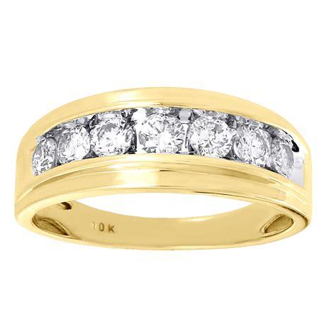 mens yellow gold  stone diamond engagement ring