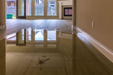Wasserschaden Schnell Handeln by Was Tun Bei Wasserschaden Im Haus Blauarbeit