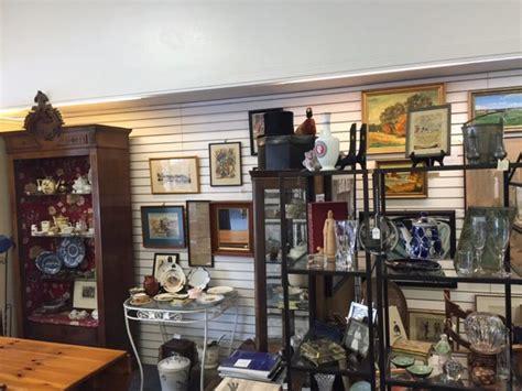 road trip       antique stores
