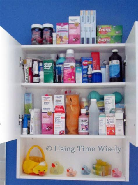 bathroom medicine cabinet ideas medicine cabinet pixshark com images