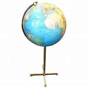 Globe Terrestre Sur Pied : grand globe terrestre lumineux sur pied colombus allemagne vers 1970 ~ Teatrodelosmanantiales.com Idées de Décoration