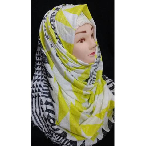 hijab green black graphics print hijab  shiddatcom