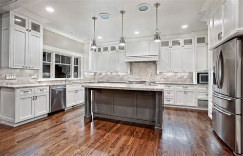 kitchen cabinet refacing ideas best 25 cabinet refacing ideas on diy cabinet 5691