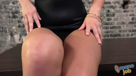 Awesome Handjob By Hot Brunette Daisy Summers EPORNER