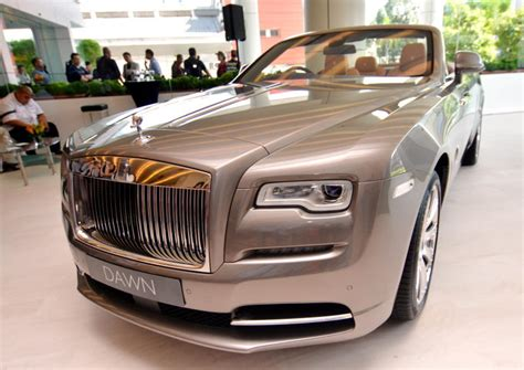 Rolls Royce Starting Price by Rolls Royce Arrives In Malaysia Carsifu