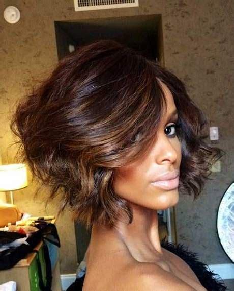 modele coiffure carre plongeant ondule