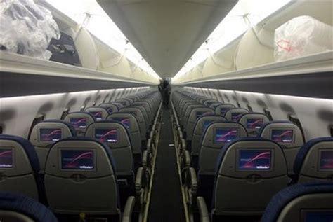 delta 717 cabin jet airlines boeing 717 cabin