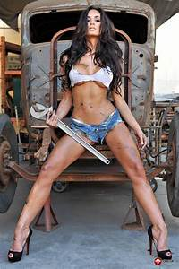 Babes In Daisy Dukes - TCMag com