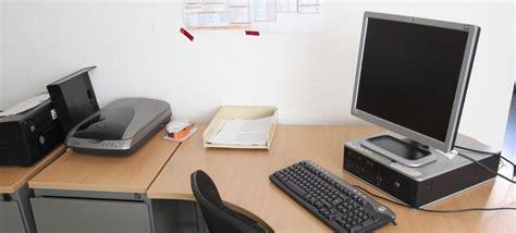absent du bureau en moyenne le tunisien est absent du bureau 16 8 jours