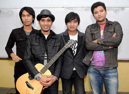 Download mp3 and video for: Kumpulan Lagu Sheila on 7 Lengkap DOWNLOAD MP3 Terbaru   PANDAWA MUSIK MP3