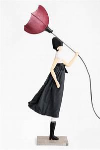 Lampe Frau Mit Schirm : feder tinte standleuchte dekor tischlampe schirmlampe frau beleuchteter regenschirm ~ Eleganceandgraceweddings.com Haus und Dekorationen