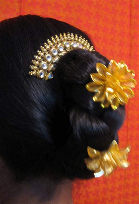 traditionally hairstyle   ancient