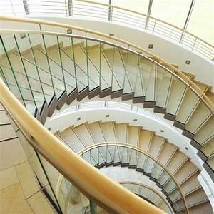 Treppe Handlauf Holz : treppe handlauf holz gebogen wohn design ~ Watch28wear.com Haus und Dekorationen