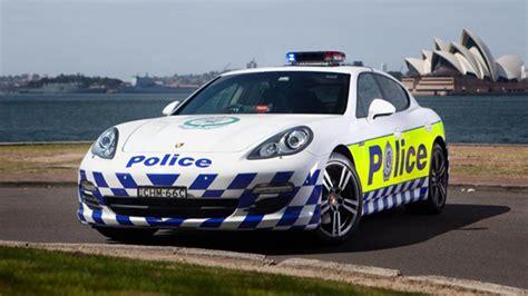mejores coches policia mundo  periodismo del motor
