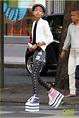 高清:威爾·史密斯女兒學Gaga踩高蹺 超厚底鞋行動自如 - 娛樂 - 國際線上