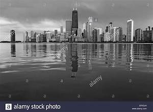 Skyline Bilder Schwarz Weiß : chicago city skyline black white stockfotos chicago city skyline black white bilder alamy ~ Orissabook.com Haus und Dekorationen