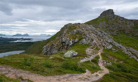 small mountain 2015 07 lofoten and vester 229 len way up north