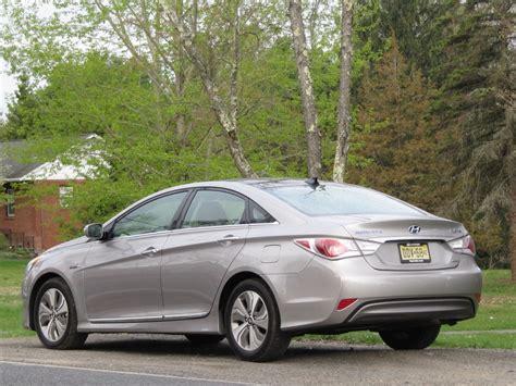 2013 Hyundai Sonata by 2013 Hyundai Sonata Hybrid Gas Mileage Test Drive