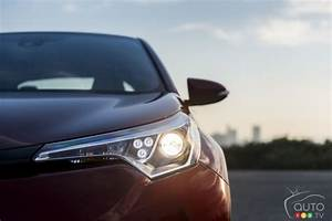 Nouveauté Toyota 2018 : le tout nouveau toyota c hr 2018 photo 8 de 29 auto123 ~ Medecine-chirurgie-esthetiques.com Avis de Voitures