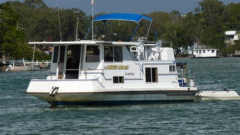 Houseboat Noosa luxury afloat noosa houseboat hire noosa
