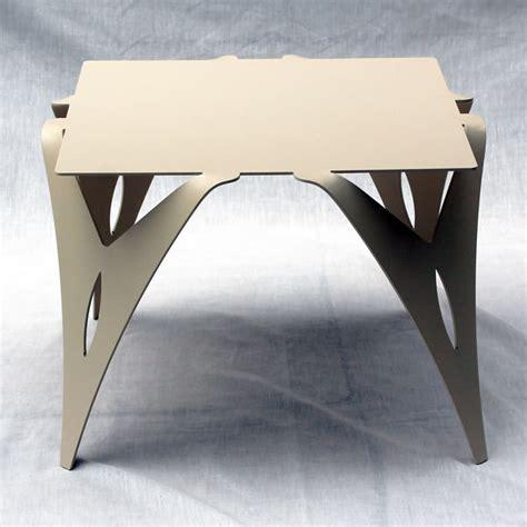 table bout de canapé en verre design bout de canapé table de chevet design moderne métal