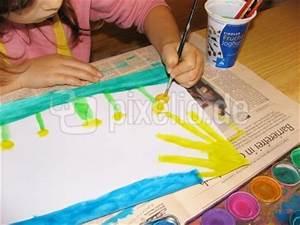 Malen Mit Wasserfarben : lizenzfreie fotos malen mit wasserfarben ~ Orissabook.com Haus und Dekorationen