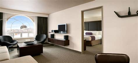 hotel rooms kitchen suites days inn regina