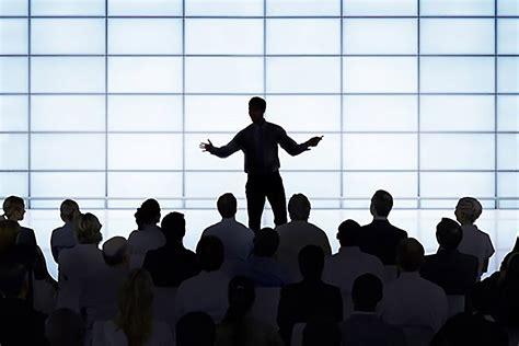 qualities  distinguish genuine leaders  bossy