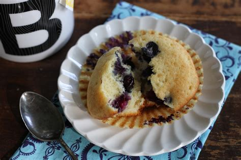 Add eggs, sour cream, and vanilla and mix. Blueberry Sour Cream Coffee Cake Muffins - Brittany's Pantry : Brittany's Pantry